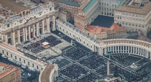 Pedofilia, il Vaticano non può essere denunciato insieme ai sacerdoti citati dalle vittime: per la Corte Europea la Santa Sede vale l'immunità