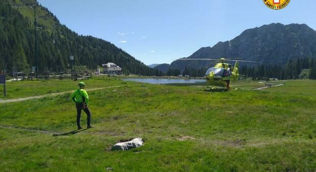 Alpinista vola dalla parete del Monte Cavallo per 20 metri: traumi ma è vivo