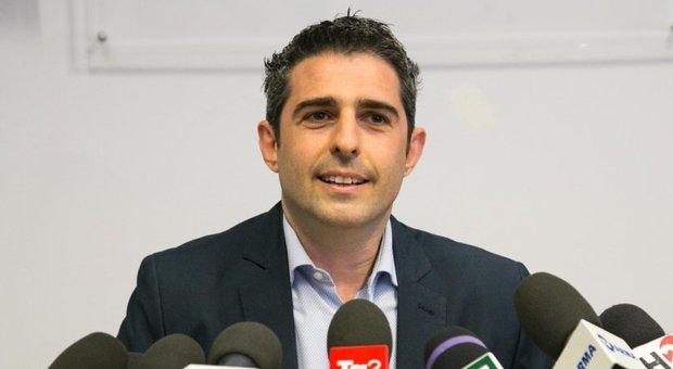Pizzarotti lascia M5S: la conferenza stampa in diretta