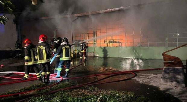 I Vigili del fuoco domano le fiamme alla Ausonia Nanutti Beltrame