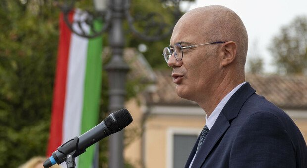 Federico D'Incà, ministro ai Rapporti con il Parlamento