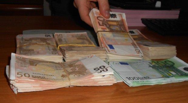Traffico di denaro all 39 estero quasi 3 milioni di euro tra - Soldi contanti a casa ...