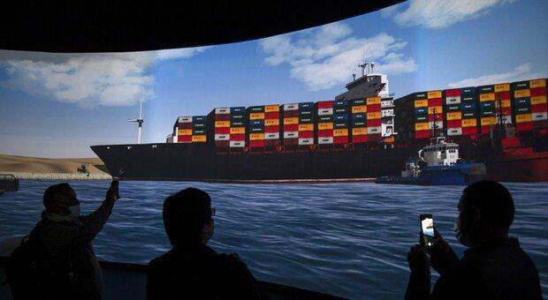 Suez, la Ever Given è stata liberata: riapre il canale di Suez. E il petrolio cala