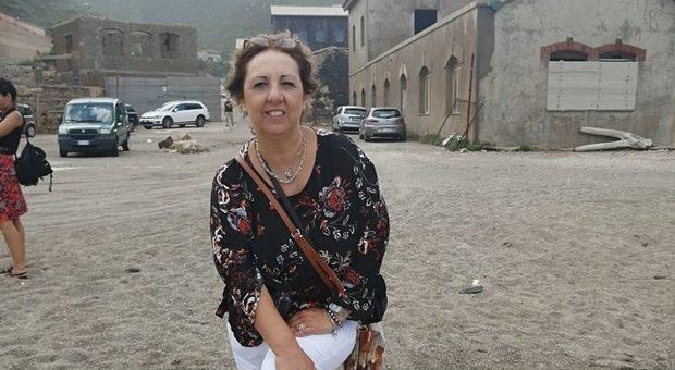 Tragedia in Sardegna, padovana precipita dalla scogliera e muore davanti alla figlia thumbnail
