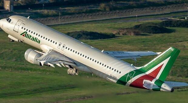 Alitalia, fondo da 100 milioni per il rimborso dei biglietti post 14 ottobre