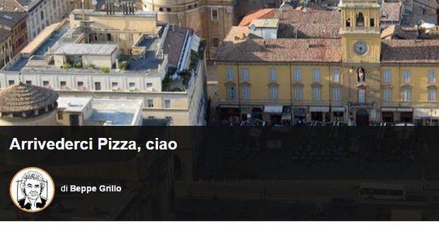 Grillo: «Pizzarotti si goda i suoi quindici minuti di celebrità»
