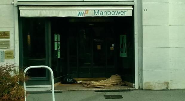 Sos bagni pubblici per i senzatetto adesso arrivano i box chimici - Bagni chimici vicenza ...