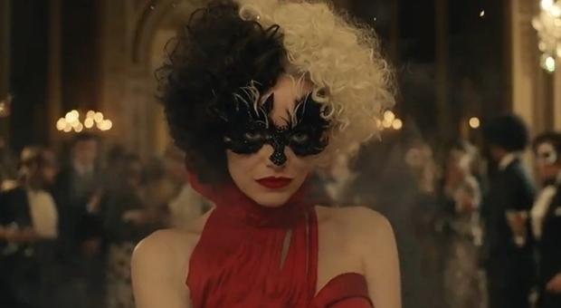 Emma Stone, ecco come Crudelia è diventata cattiva: il nuovo film live action Disney