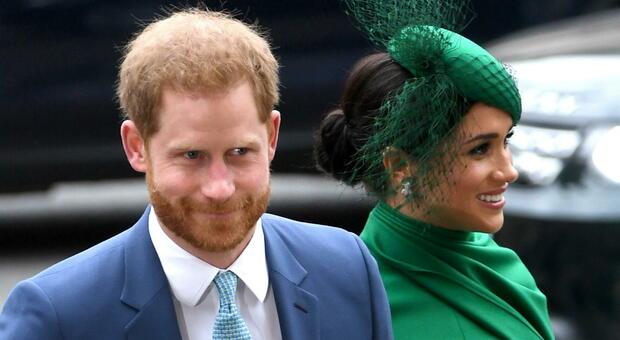 Harry e Meghan, precipita la loro popolarità: nel Regno Unito mai così bassa