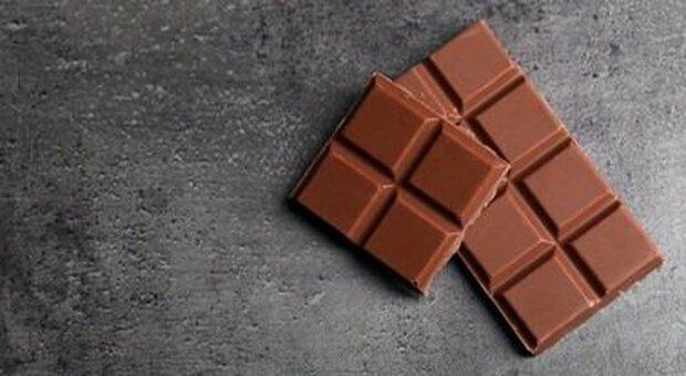 Cioccolato assolto, mal di testa e fake news sull'alimentazione dei bambini
