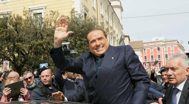Berlusconi, a Villa Certosa il virus già dal 10 agosto: l'allarme ignorato