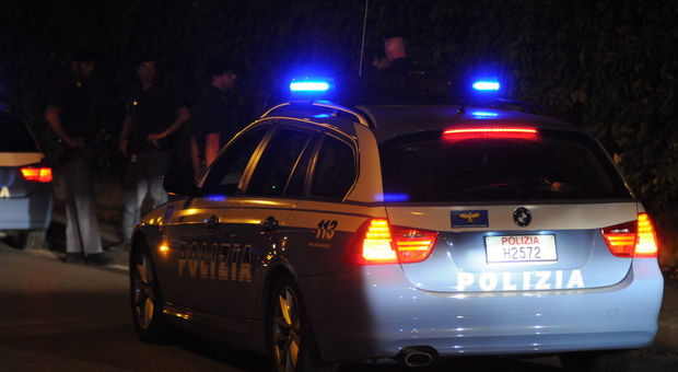 Trasportava 13 migranti irregolari nell'auto, arrestato passeur serbo