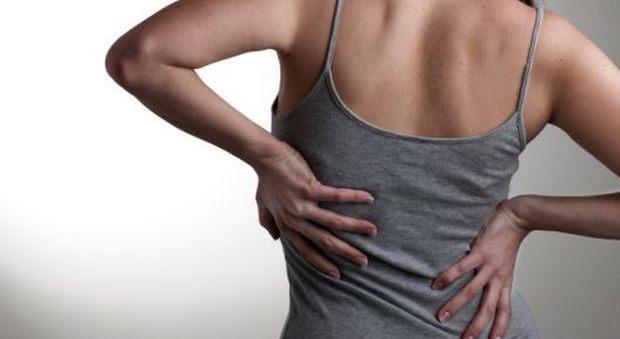Mal di schiena, ecco come sconfiggere il dolore cronico..