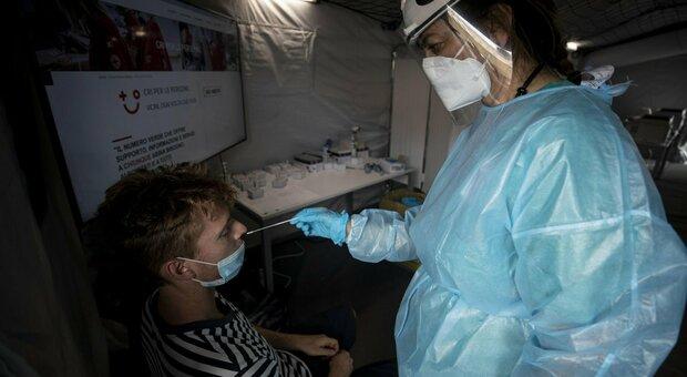 Tamponi per il Covid fatti come prevenzione al virus
