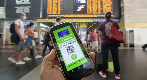 Green pass, palazzo Chigi rilancia app per evitare «falsi»: applicazione ad hoc per controllare loro autencità