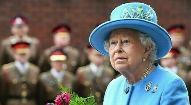Regina Elisabetta, social oscurati nel giorno della morte: svelata operazione London Bridge