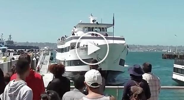 Traghetto con 144 passeggeri si schianta sul molo sette for Piani casa molo