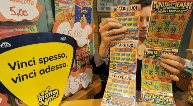 Pensionata gioca 2 euro, gratta e ne vince 260mila