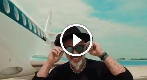 Aereo Privato Roma Ibiza : Gianluca vacchi dalla rolls royce all aereo privato poi