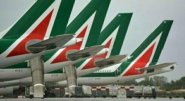 La sanzione Ue affonda Alitalia, da Bruxelles la richiesta di restituire 900 milioni