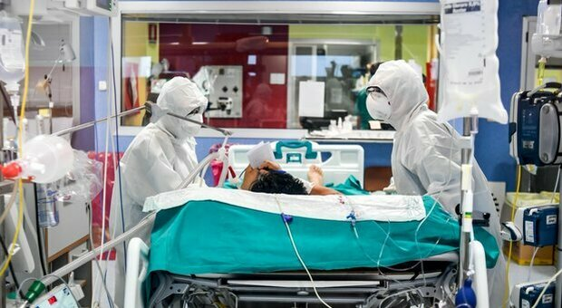 Malato di Covid scappa dall'ospedale: trovato e denunciato dai carabinieri