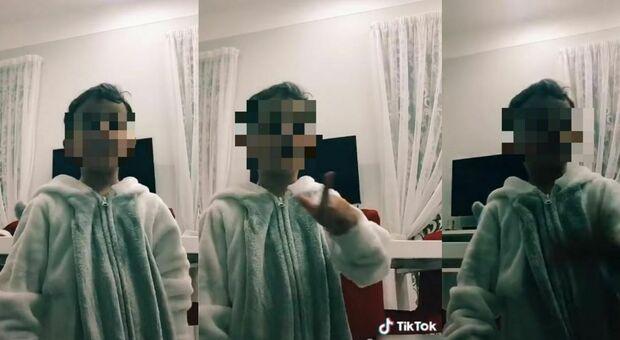 Napoli, su TikTok un inquietante video in cui il bambino caduto dal balcone dice: «Ti butto giù»