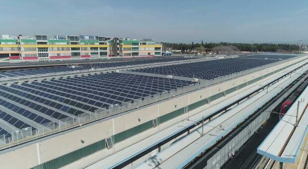 La copertura dei capannoni con migliaia di pannelli fotovoltaici