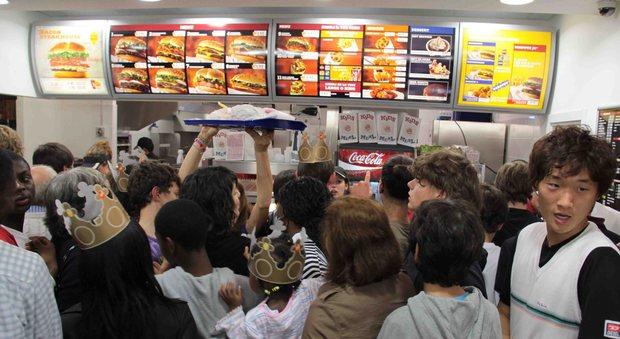 Nuovo burger king apre a cannaregio negozio di due piani for Piani di costruzione del negozio