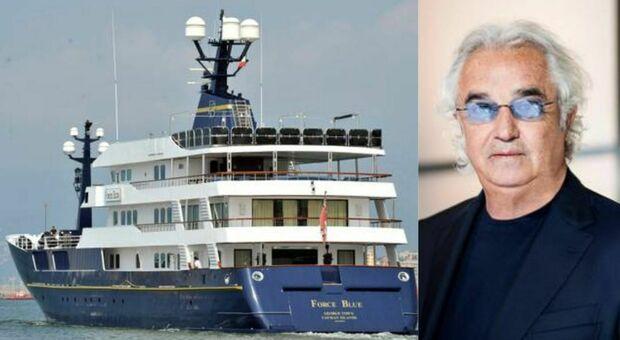 Flavio Briatore, la Cassazione annulla la confisca dello yacht: ma il Force Blue è stato venduto per 7milioni