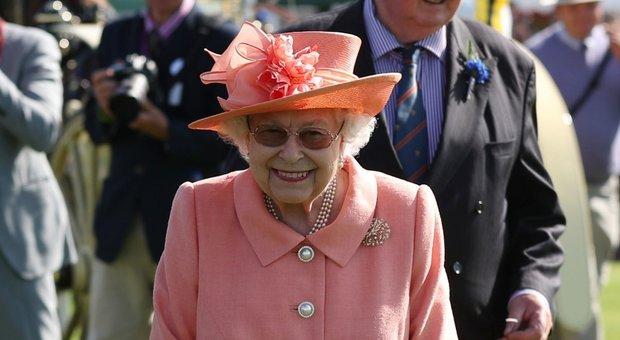 Regina elisabetta il for Quanto costa la corona della regina elisabetta