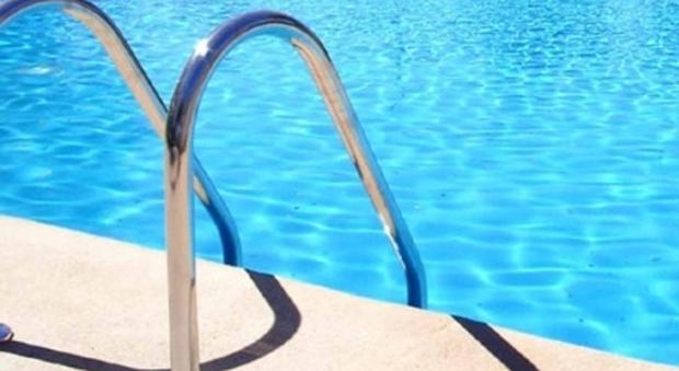 Verona bimba di due anni annega nella piscina di casa - Borsone piscina bambina ...