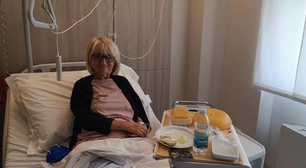 Luciana Littizzetto, di nuovo in ospedale dopo l'incidente: il post che preoccupa i follower