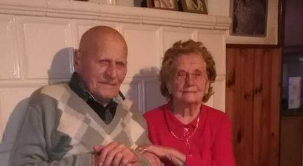 Si lascia morire dopo la moglie: «Non poteva vivere senza di lei» thumbnail