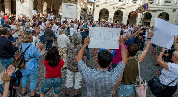 La manifestazione non green pass a Treviso