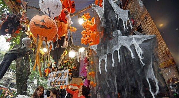 Halloween, allarme per party e aperitivi clandestini: quest'anno la festa fa paura