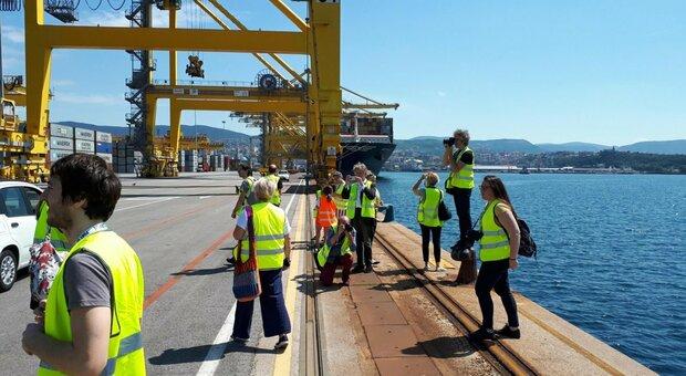 Portuali, lo sciopero dei No Green pass si allarga. Trieste: «Sarà venerdì nero, stop anche in altre città»