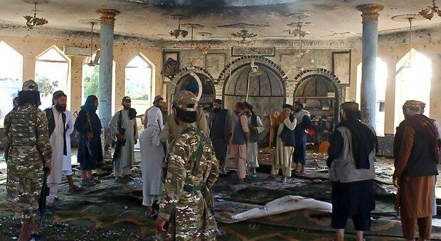 Afghanistan, attentato Isis a Kunduz: oltre 89 morti nella moschea