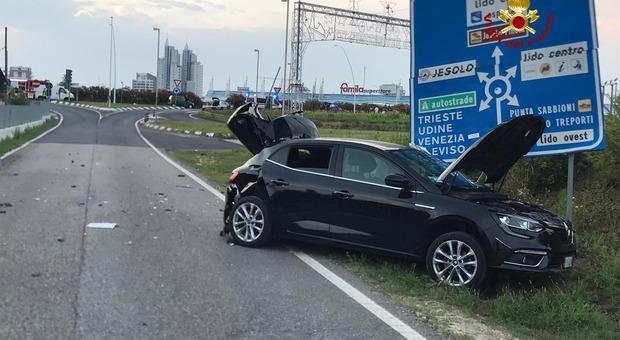 Scontro fra due auto a Jesolo: sei feriti, due finiscono in ospedale