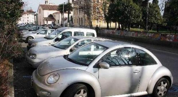 Il Comune non ha più soldi In vendita anche i parcheggi
