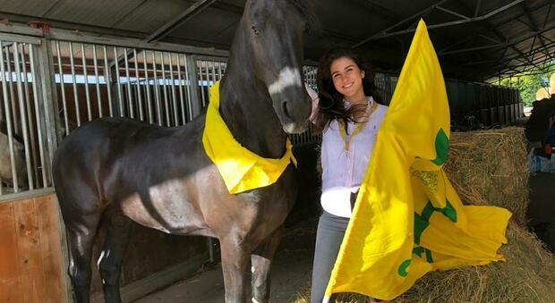 Giulia Caniato, Oscar green di Coldiretti, con uno dei suoi cavalli