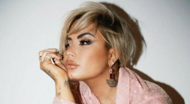 Demi Lovato: «Dopo l'overdose ho avuto tre ictus e un infarto: ora non guido e leggo male»