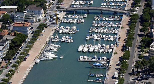 Ufficio Per Targhe Barche Venezia : Nautica on line barche nuove usate gommoni vela prove in mare