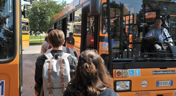Green Pass nei bus: è già polemica in attesa dell'inizio della scuola