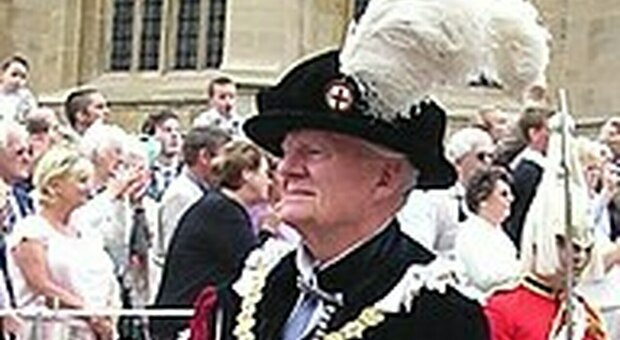 La regina Elisabetta perde un amico intimo: morto a 91 anni sir Timothy Colman
