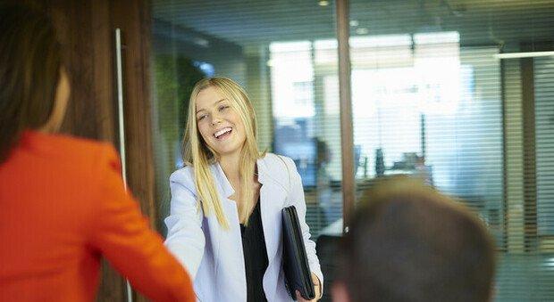 Rientro in ufficio? Ecco i 7 consigli dell'esperta per l'outfit perfetto