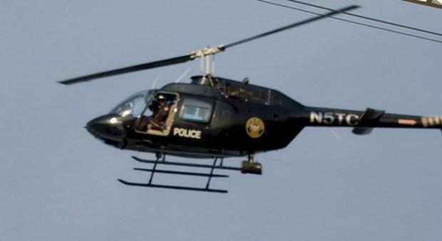 Elicottero Usa : Usa elicottero della polizia si schianta vicino al luogo