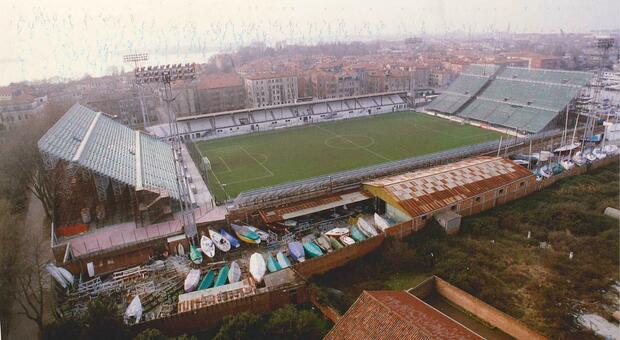 Calcio. Il Venezia torna a giocare allo stadio Penzo dopo 20 anni: si riscrive la storia