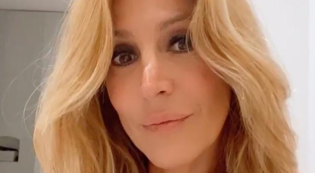 Adriana Volpe scoppia in lacrime a Verissimo: «Il mio ex marito è cambiato, mi sono fatta tanto male...». Toffanin commossa