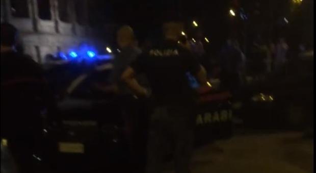 Roma, padre e madre picchiano la fidanzata della figlia lesbica nella Gay Street