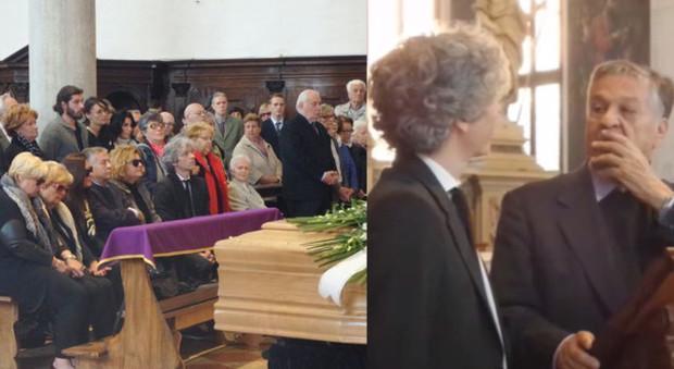 Renato Pozzetto con la famiglia di Toffolo in chiesa e mentre si commuove sul pulpito ricordando l'amico Lino